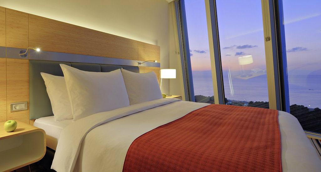 Radisson Blue One Bedroom Suite