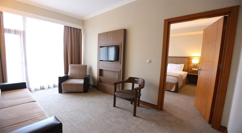Sputnik Hotel Corner Suite