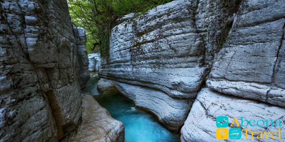 Экскурсия на каньоны Мартвили и Нокалакеви