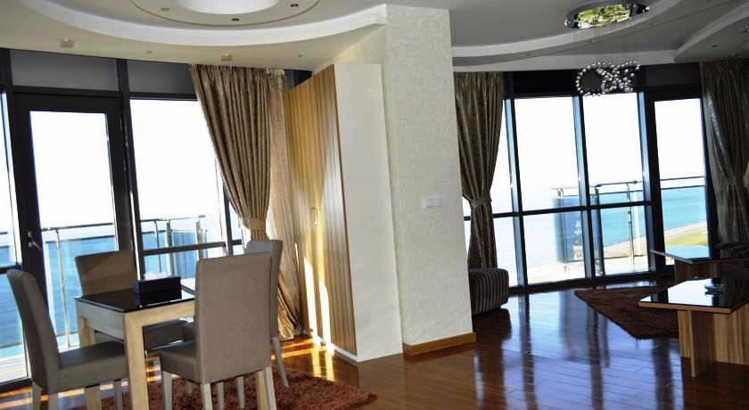 Grand Royal Comfort Suite Sea View