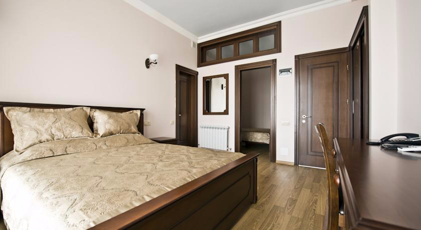 Eiffel Standard Double Room