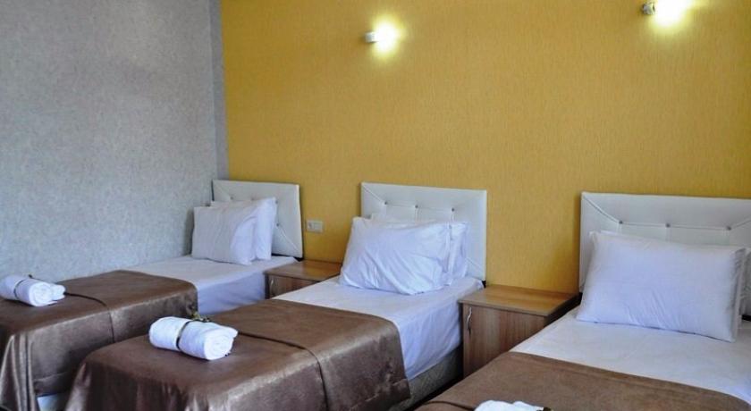 Green Villa Standart Triple Room
