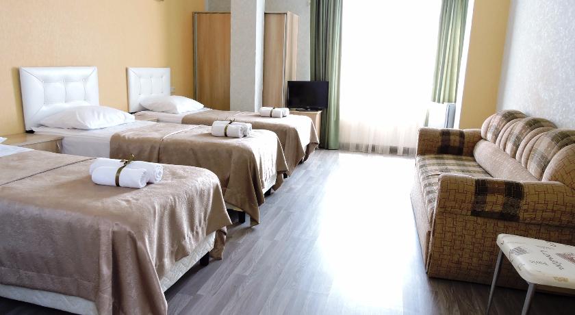 Green Villa Standart Triple Room with Balcony