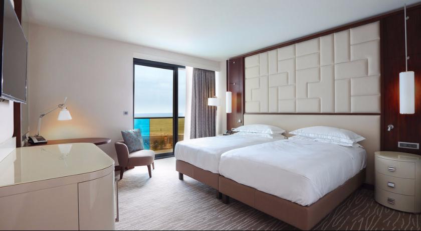 Hilton Executive Triple Room
