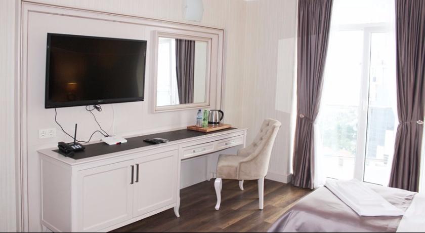 Hotel 19 Deluxe Room