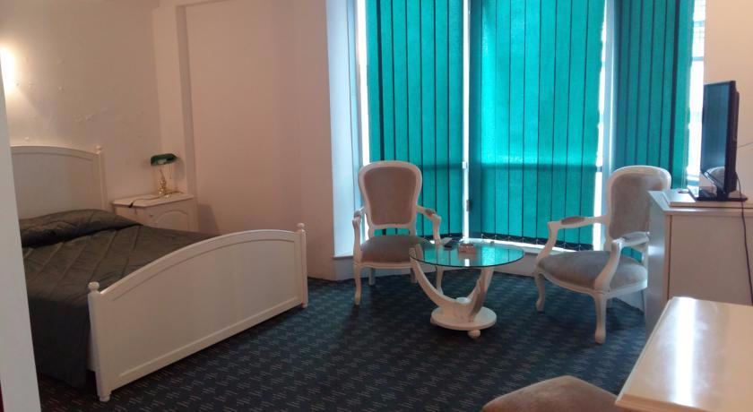 Hotel Alik Suite Room