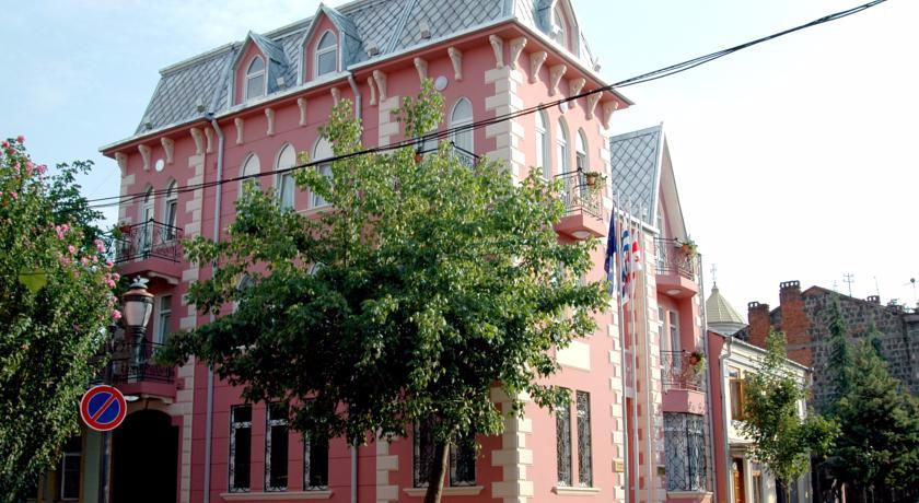 Rcheuli Villa