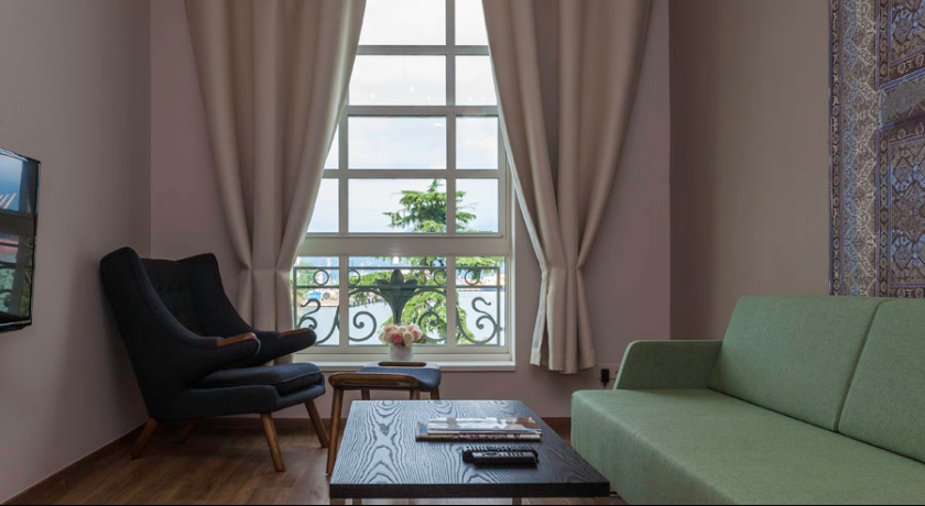 Le Port Deluxe Room