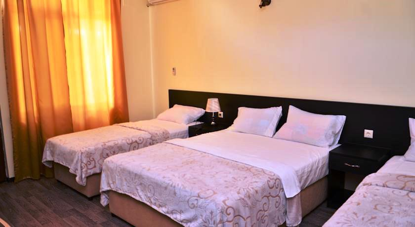 Chveni Ezo Executive Triple Room