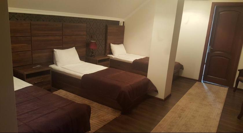 Bella Costa Quadruple Room