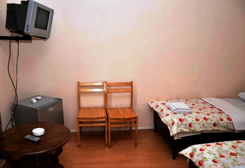 Chveni Ezo Standart Triple Room