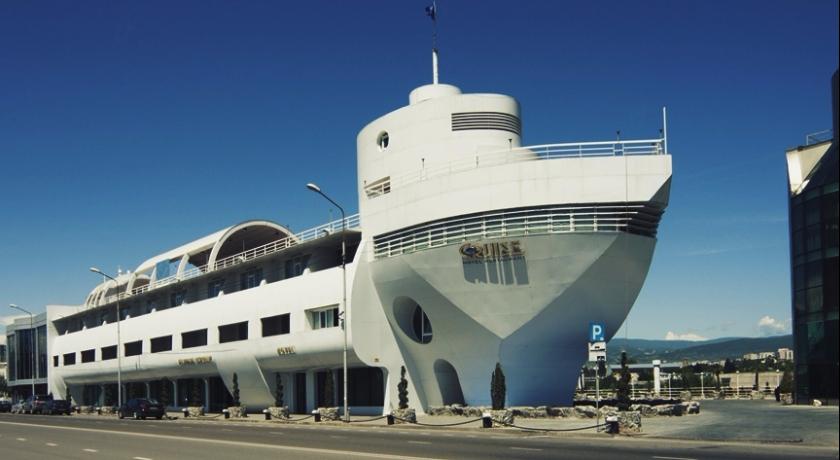 hotel cruise tbilisi cover