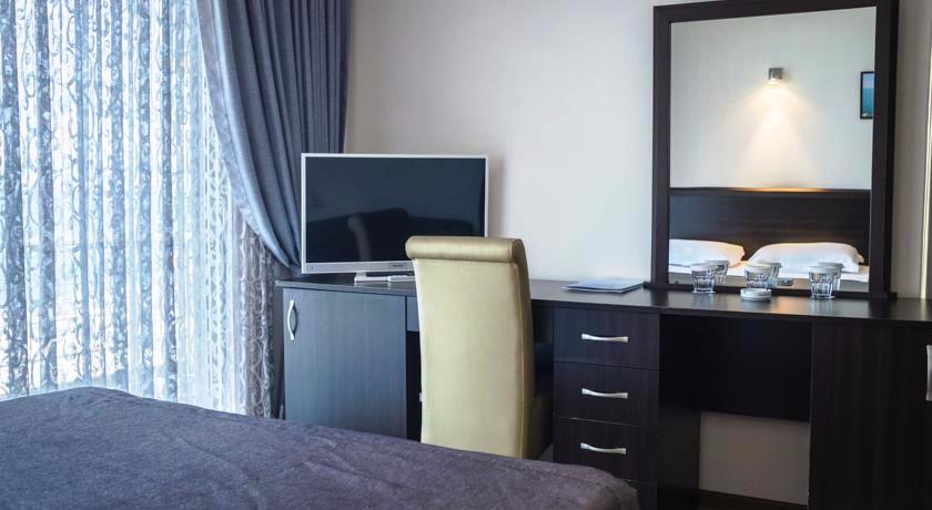 Neptun Family Suite Room