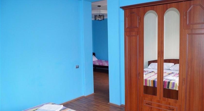 Otsneba Family Suite Room