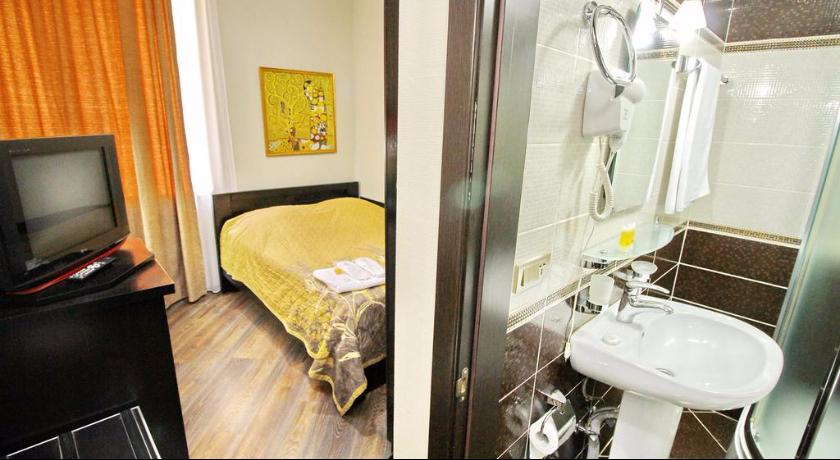 Penthause Standard Single Room