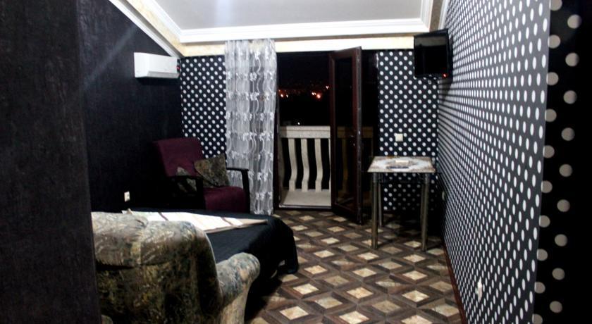 Sunrise Suite Room