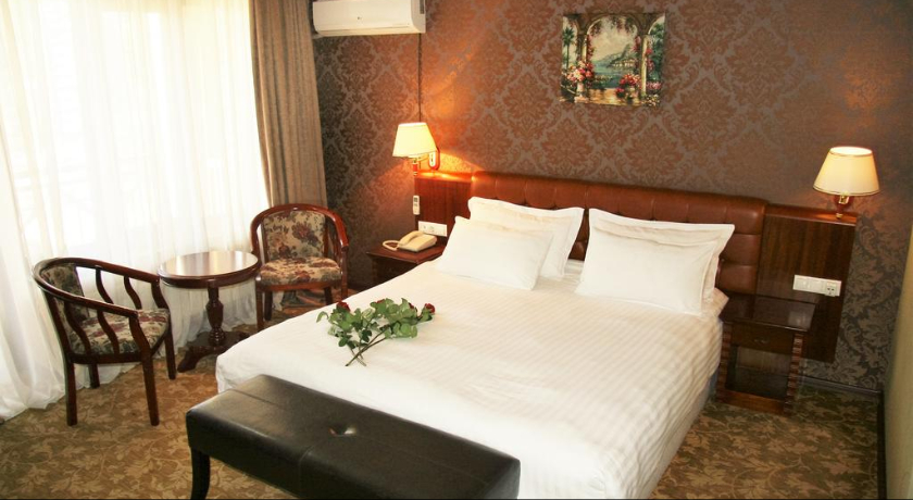 B. Palace Standart Double/Twin Room