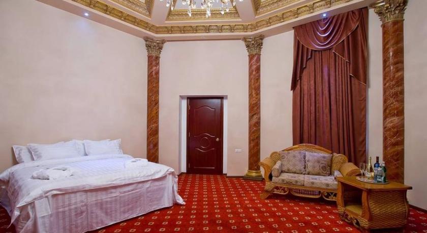 B. Palace Executive Suite