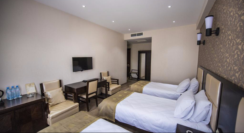 Tbilisi Inn Standart Triple Room