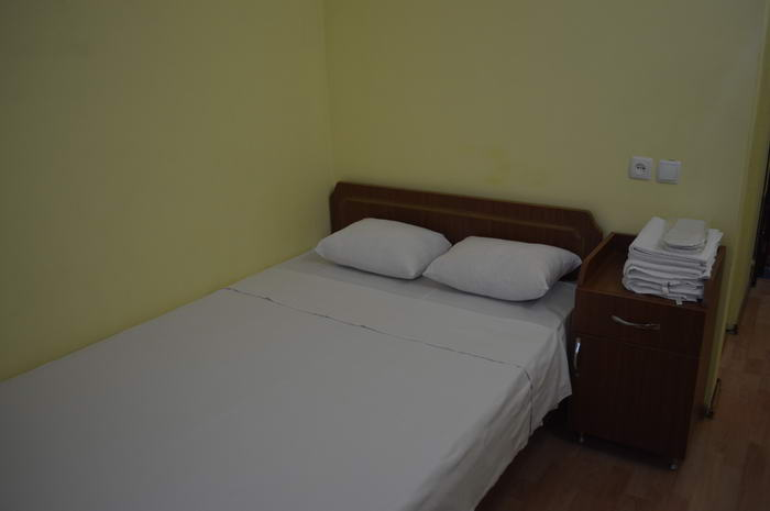 Tirifi Single room