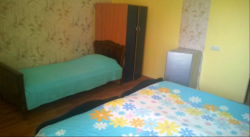 Lela's Triple Room