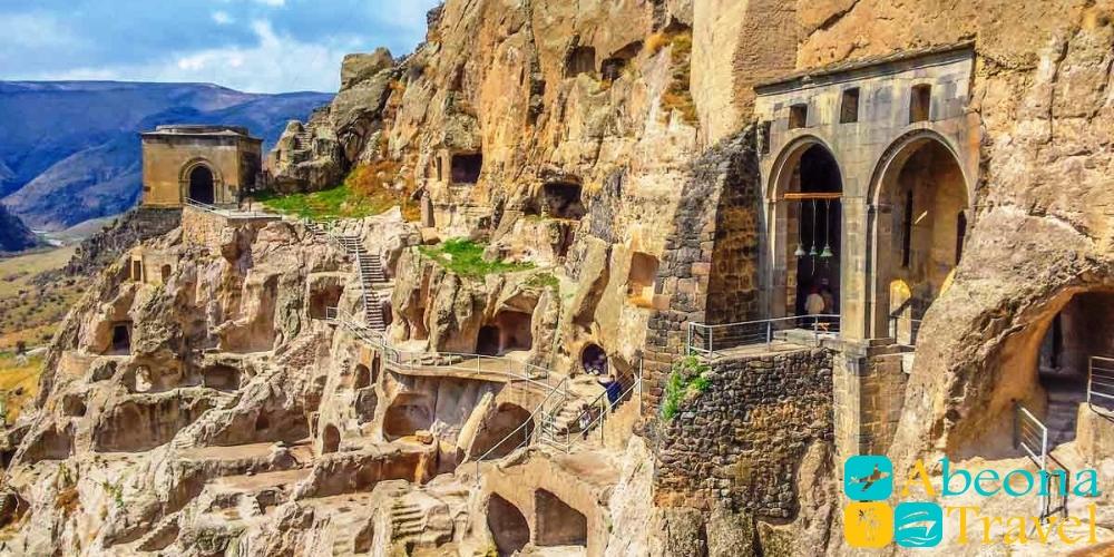 vardzia cave city 1
