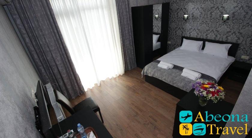MariaLuis Standard Triple Room
