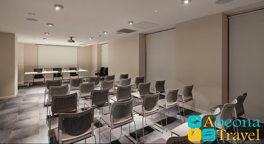 Gallery Palace meeting room