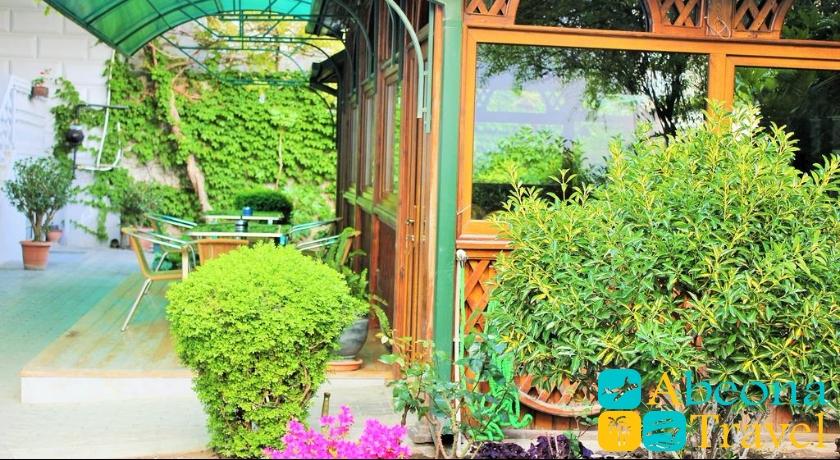 Tbilotel garden