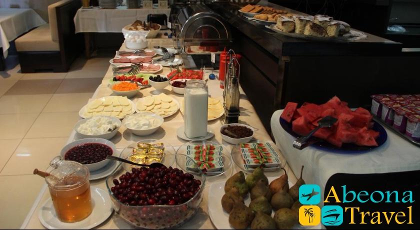 hotel iliani breakfast