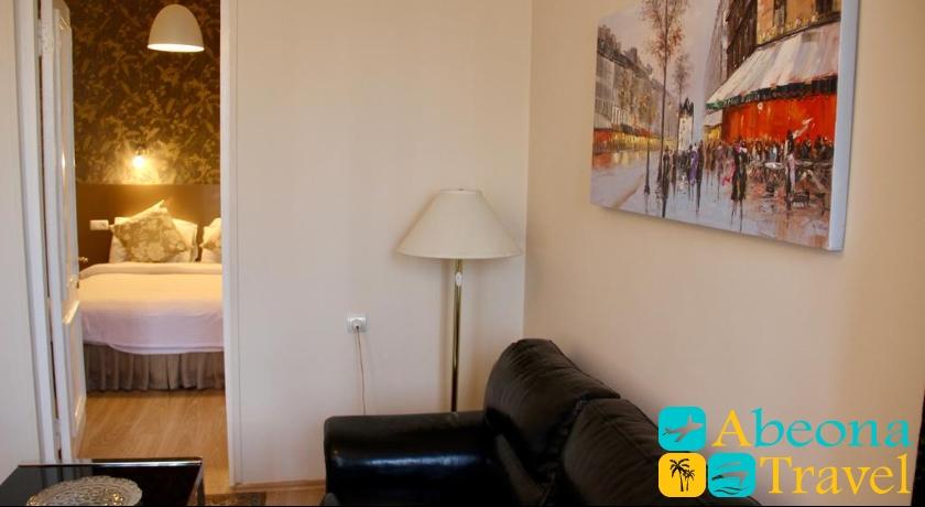 Hotel Iliani Suite Room