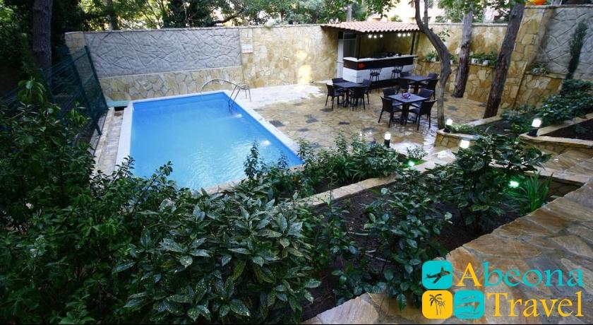 hotel sani swimming pool
