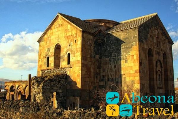 Кафедральный храм Кумурдо